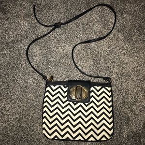 ✨🖤 Chevron deux lux Purse - Like New from Buckle!